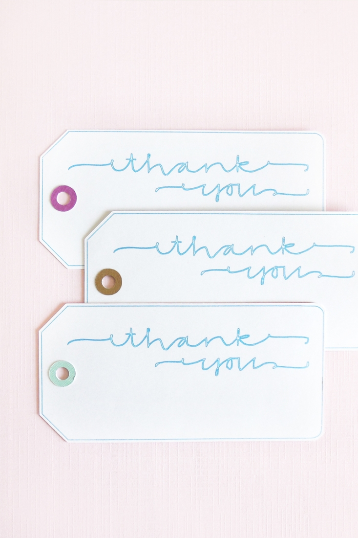 DIY Lettered Gift Tags with Silhouette Sketch Pens on Maritza Lisa - If you love to hand letter your sentiments, check out this tutorial. I will show you how to transfer your lettering to tags using Silhouette's Sketch Pens. Click through for tutorial!