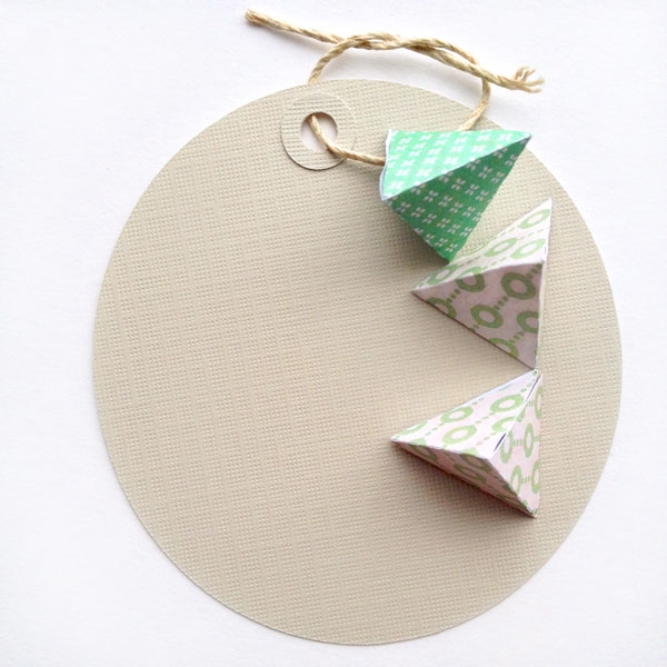 DIY Mini 3d Geometric Shapes - Maritza Lisa: a DIY project to add extra texture and interest to your tags, cards and gifts. Click through to see how you can add new dimension to your projects!