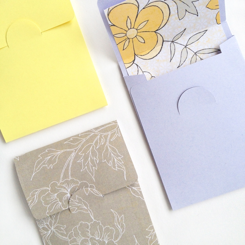 DIY Stationery - Mini Flap Envelopes - Maritza Lisa: Create these sweet envelopes to add to your stationery collection. Click through for the tutorial