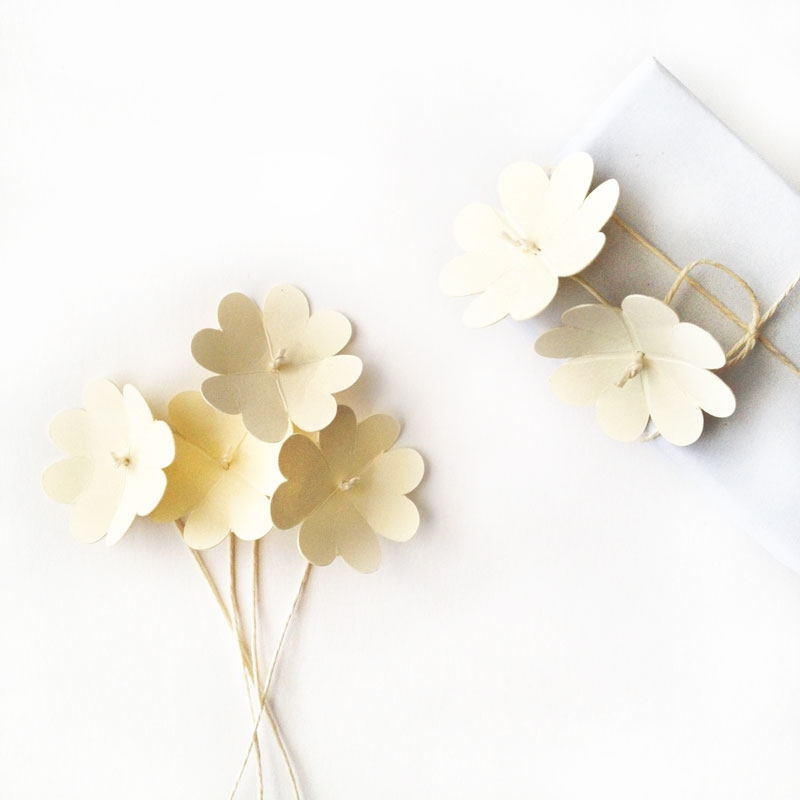 DIY Paper Flowers with a Simple Heart Shape - Maritza Lisa