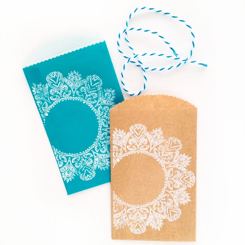 DIY Treat Bags With Ornate Frames - Maritza Lisa: This DIY Treat Bag project is a fun one! This tutorial shows you how to make your own ornate treat bags. Click through to make your own...