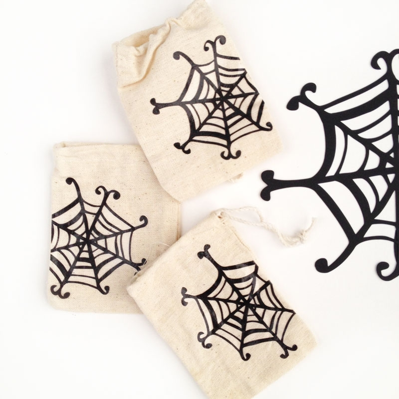 DIY Halloween - Spider Web Treat Bags
