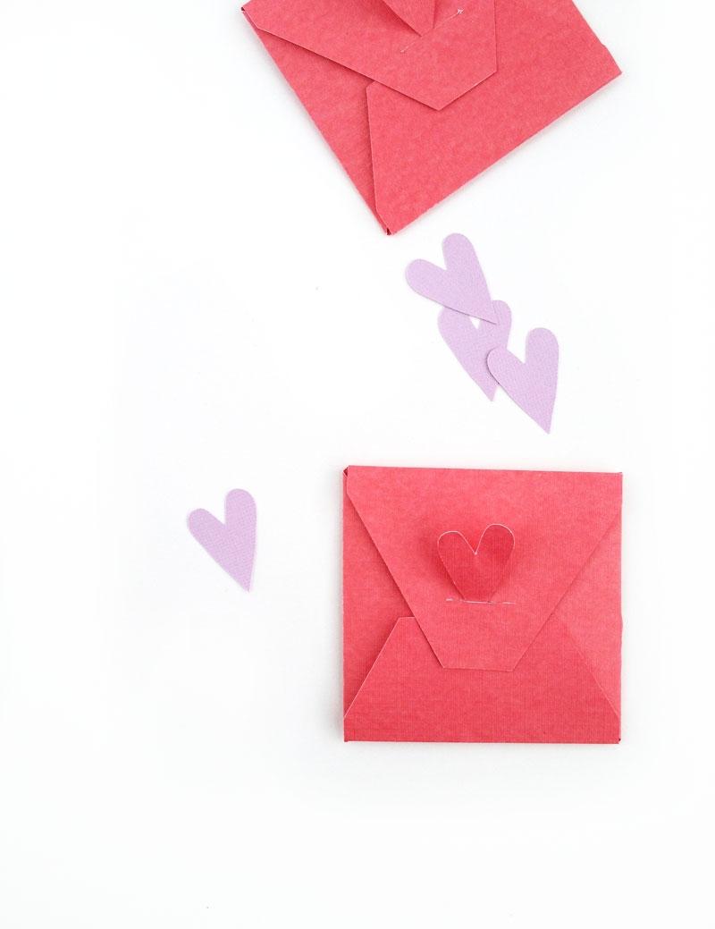 DIY Stationery - Valentine's Envelope and Tag Set (free downloads!) - MaritzaLisa