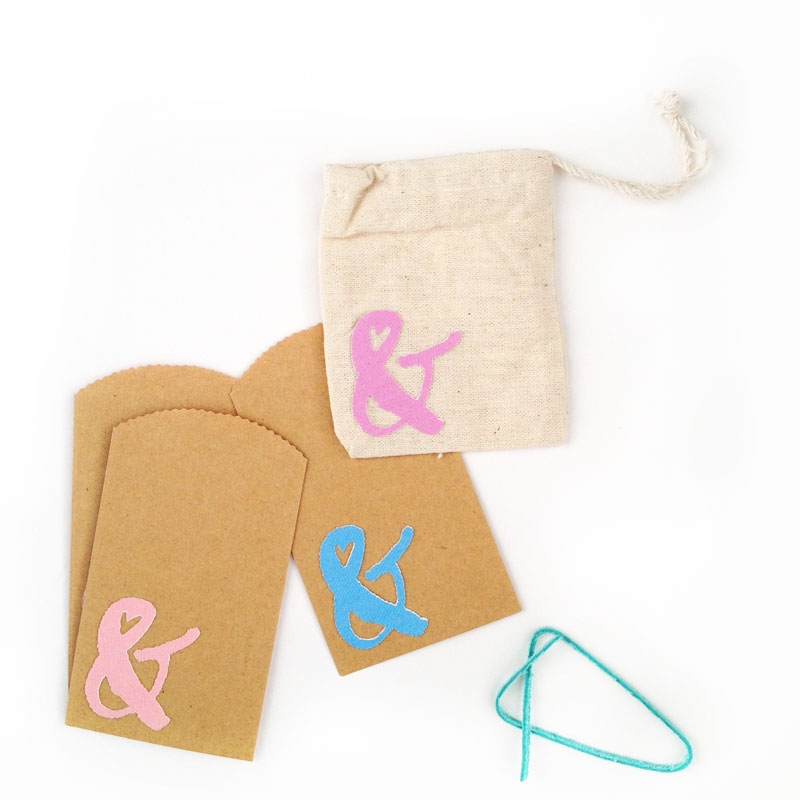DIY Stationery - Fabric Ampersand Stickers - Maritza Lisa: Create your own fabric ampersand stickers with this Silhouette Print and Cut tutorial and your favorite font. Click through and I will show you how!