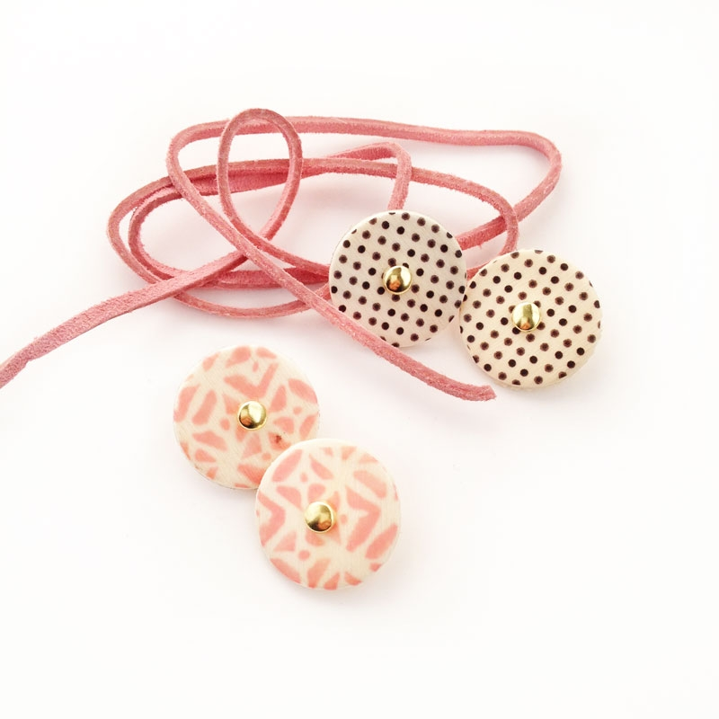 DIY Stationery - Create your patterned wooden button and string for your envelopes and packages