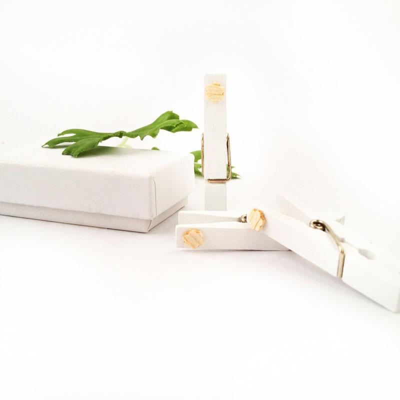 Easy DIY wooden flower clothespins