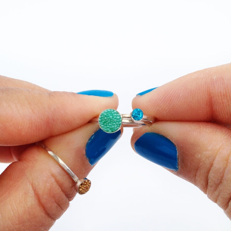 DIY Jewelry - Beaded Stackable or Midi Rings - Maritza Lisa: Check out how easy was it is to make these beaded stackable rings. Perfect as gifts or for yourself!. Click through to make your own!