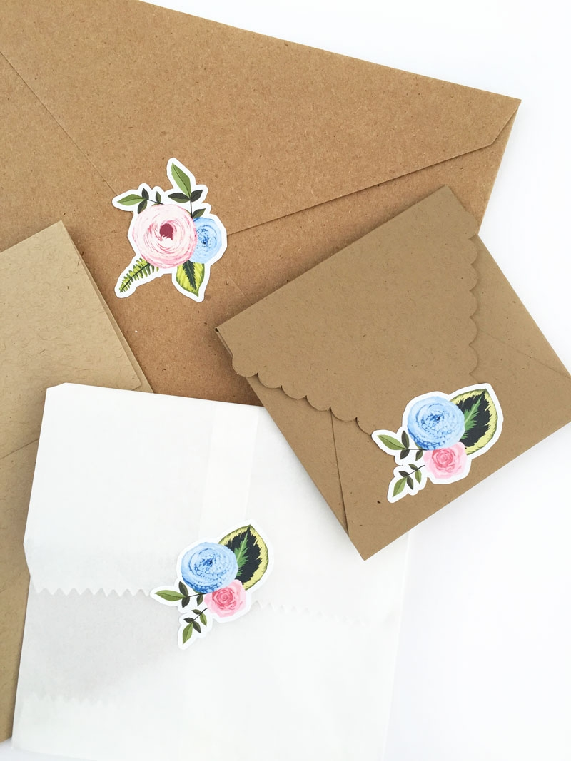 DIY Floral Stickers - Maritza Lisa: Create your own floral stickers using the print and cut feature of your Silhouette cutting tool. Click through for the tutorial | DIY Stationery | DIY Floral Seals