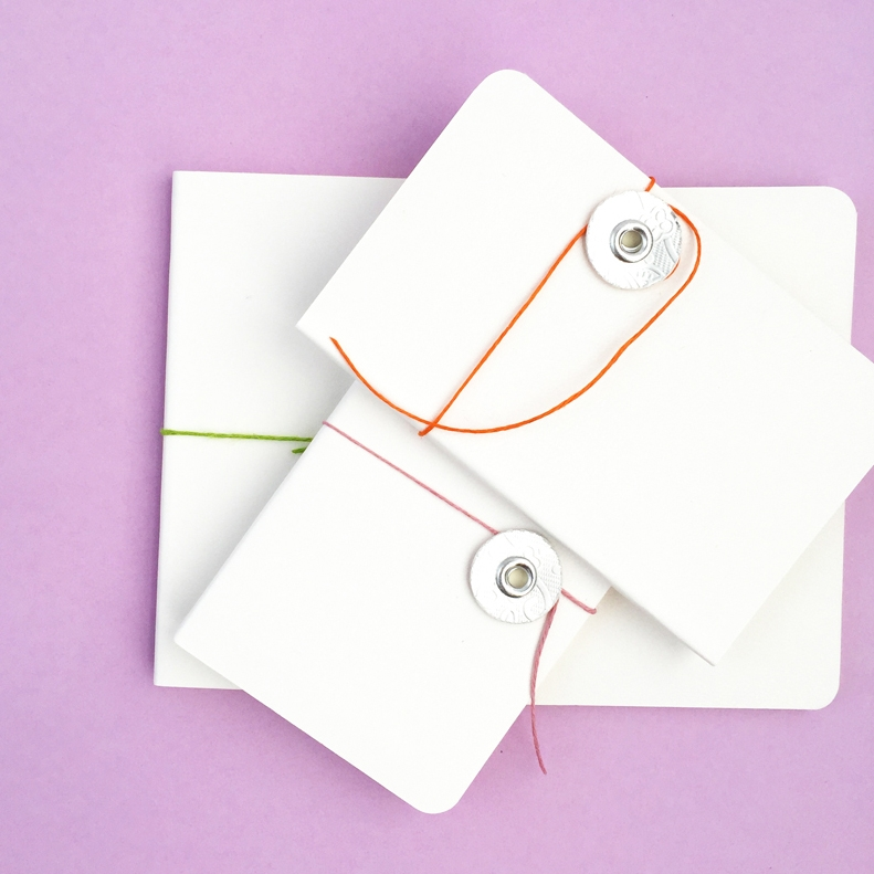 DIY Mini Button and String Notebooks - Maritza Lisa: Do you have a Silhouette Curio? Here's a quick and easy project to get you started on this awesome new cutting machine!