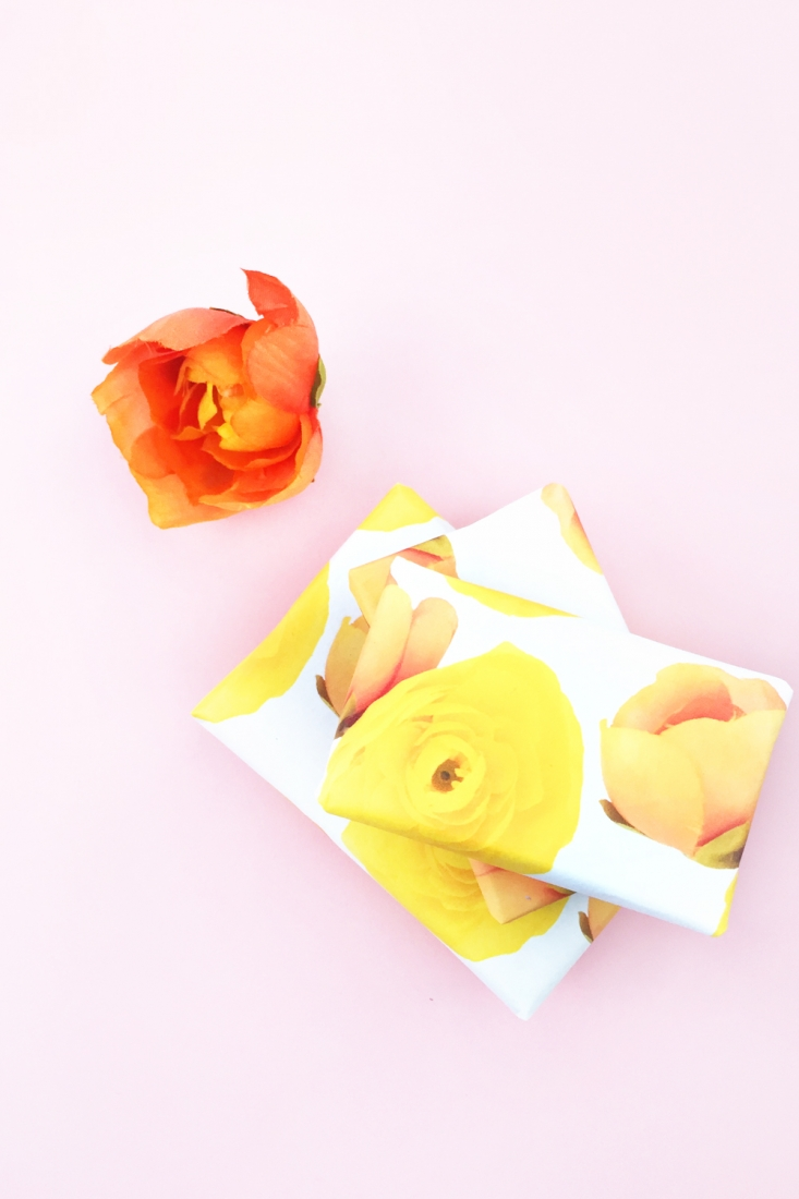 DIY Floral Gift Wrap - Maritza Lisa for The Effortless Chic