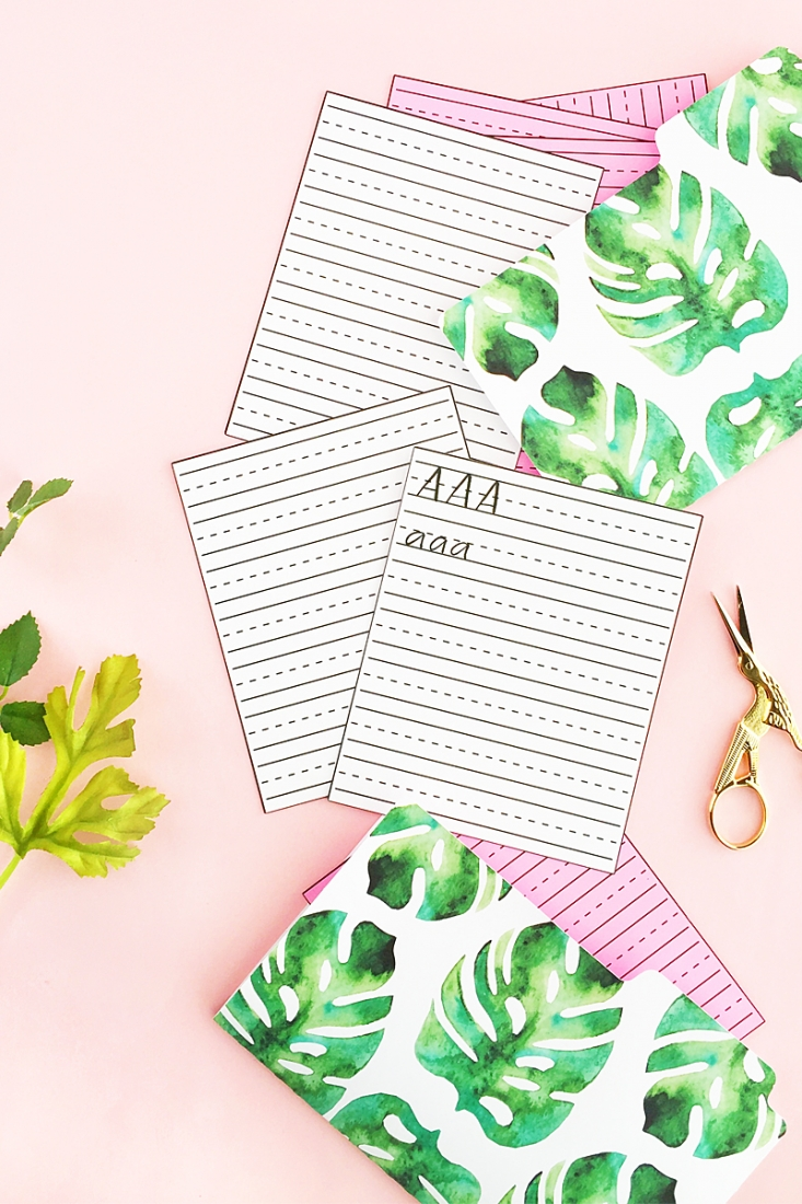 DIY Mini Lettering Practice Sheets - If you're on the go and need to practice your lettering or calligraphy , these little sheets are perfect for you!  Click through to make or download your own!