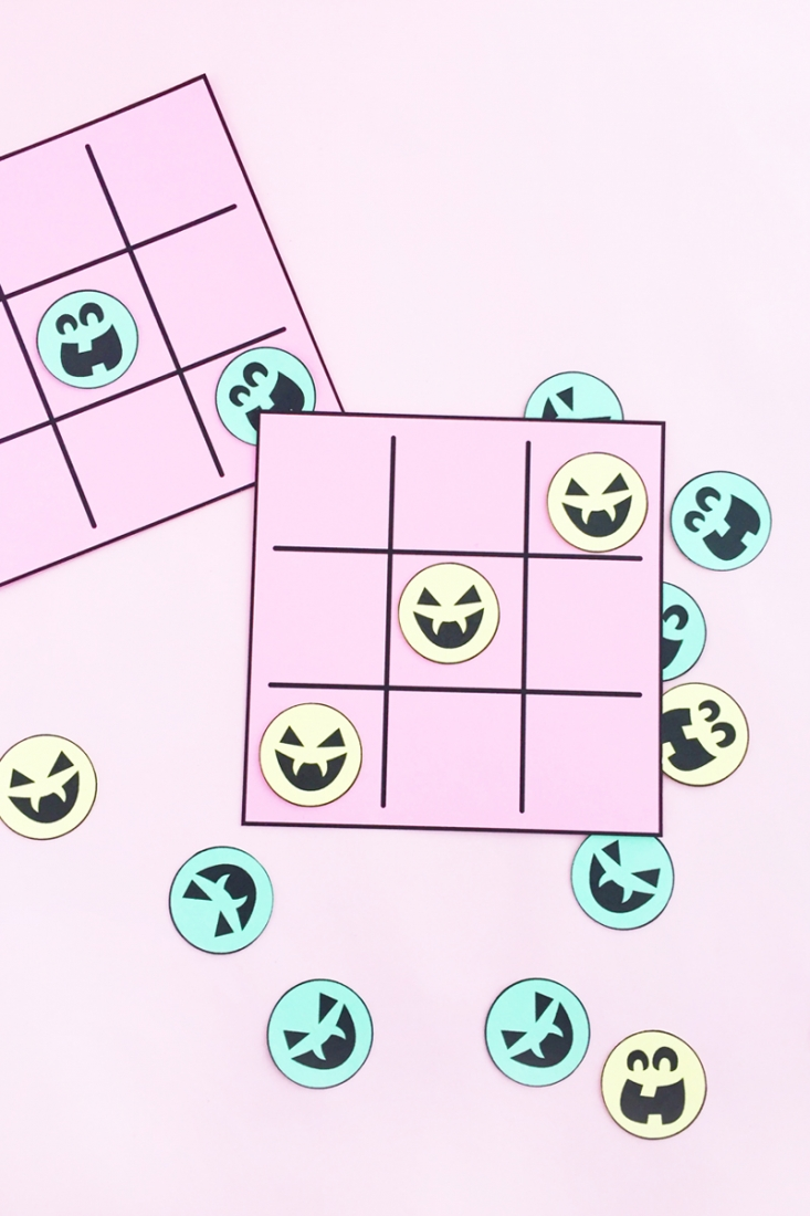 DIY Halloween Tic-Tac-Toe on Maritza Lisa - Make your own non-edible treats for Halloween with this DIY Halloween game. Click through for the tutorial!