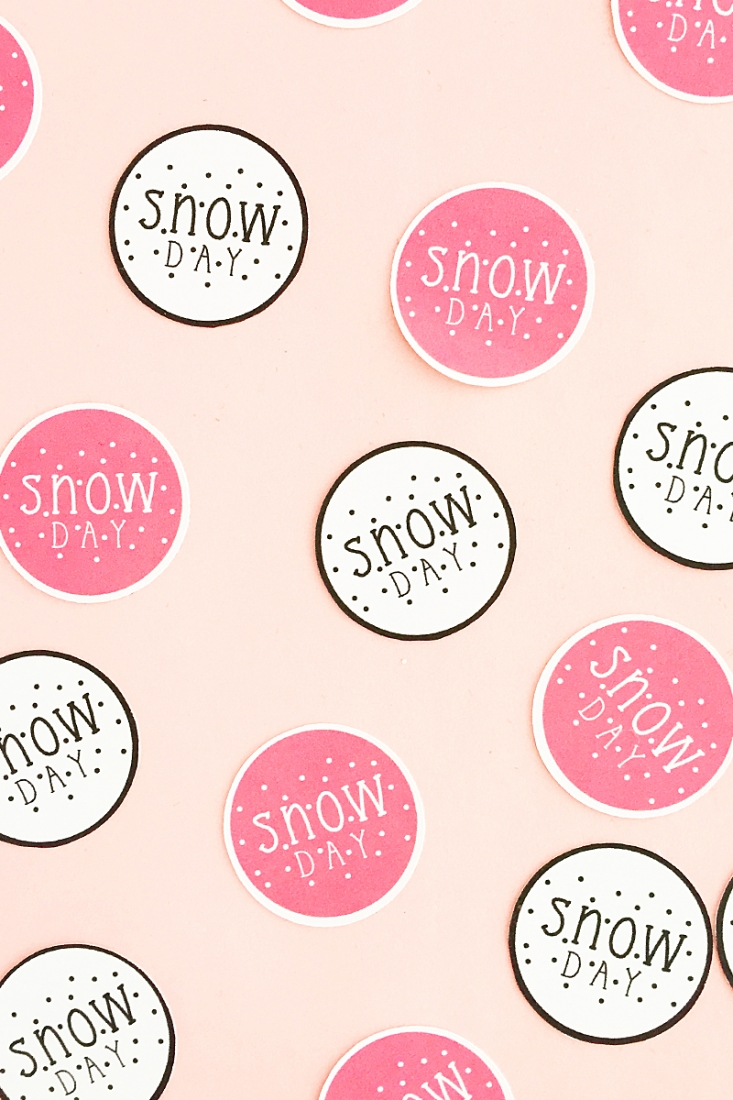 DIY Snow Day Planner Stickers - Maritza Lisa: Perfect for marking those stay-in days while the snow is outside and you are warm, cozy and productive inside!