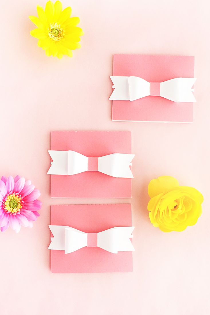 DIY Gift Card Holder - Maritza Lisa. Click through to design your own gift card holders on Silhouette Studio. Click through for this DIY and Crafts tutorial