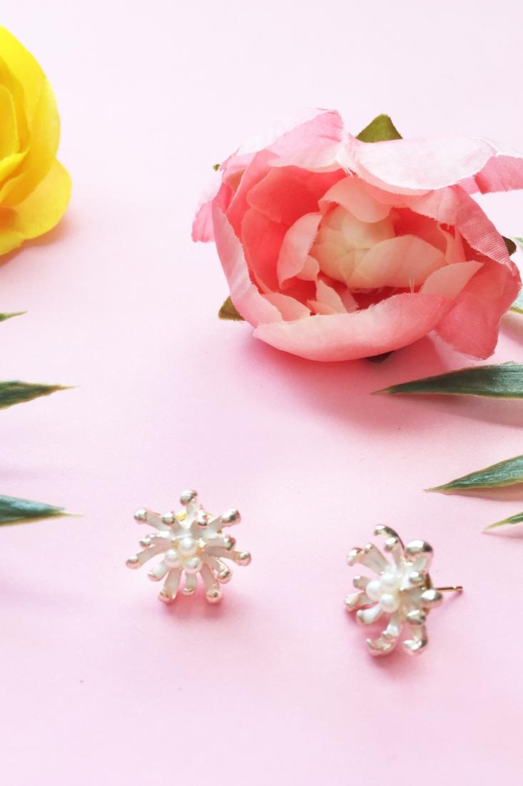 DIY Vintage Pearl Stud Earrings