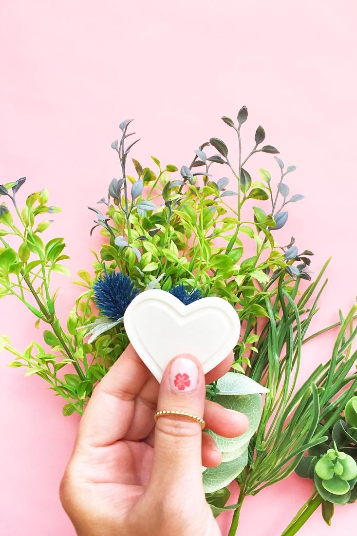 Nail Trends to DIY – Floral Nail Art